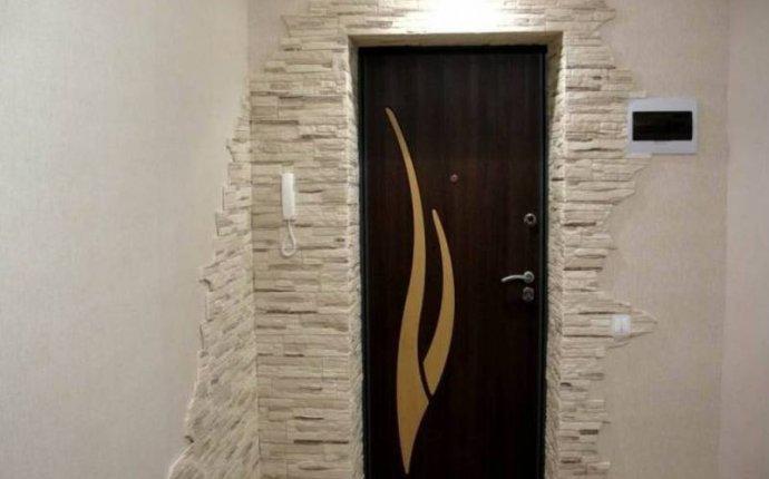 Отделка откосов входной двери изнутри: особенности и фото